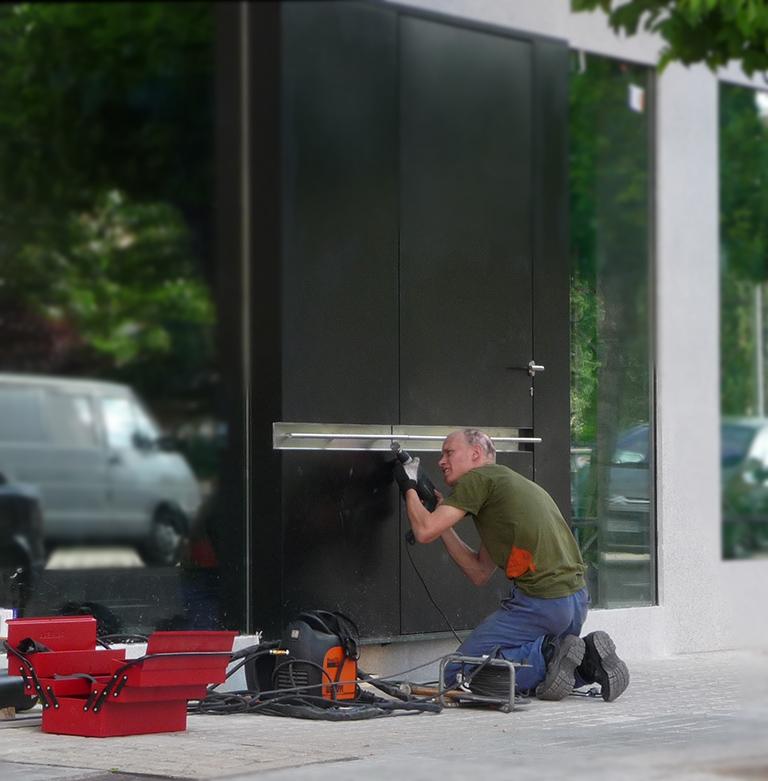arreglo puertas encargos metal valladolid