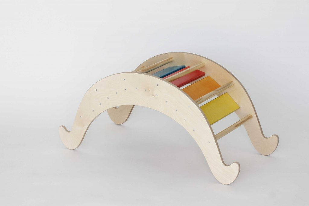 balancín arco iris waldorf, balancin montessori